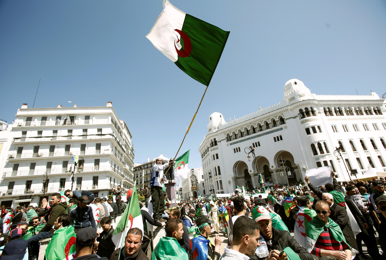 Manifestações prosseguiram em todo o país.