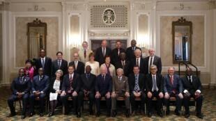 Les participants à l'Assemblée avec notamment le gouverneur général du Canada David Johnston  (devant au centre) et  le secrétaire général de l'OIF, Abdou Diouf (devant, 5e à gauche). Ottawa, le 7 juillet 2014.