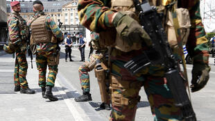 Des soldats belges en patrouille à Bruxelles  le 19/06/2016.