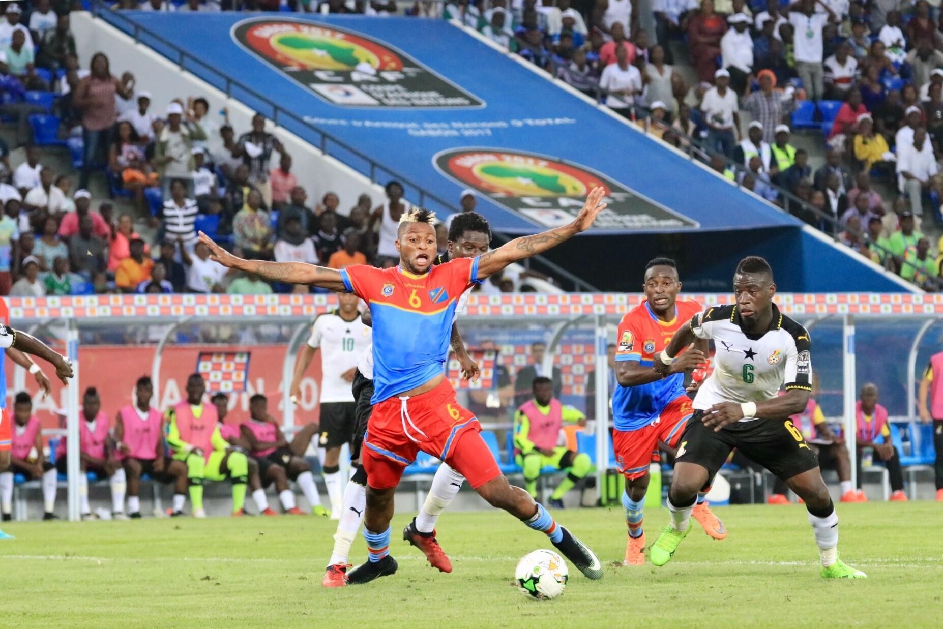 Junior Kabananga (g), auteur de trois buts à la CAN 2017 avec la RD Congo, n'a pas réussi à donner la victoire à son équipe face au Ghana.