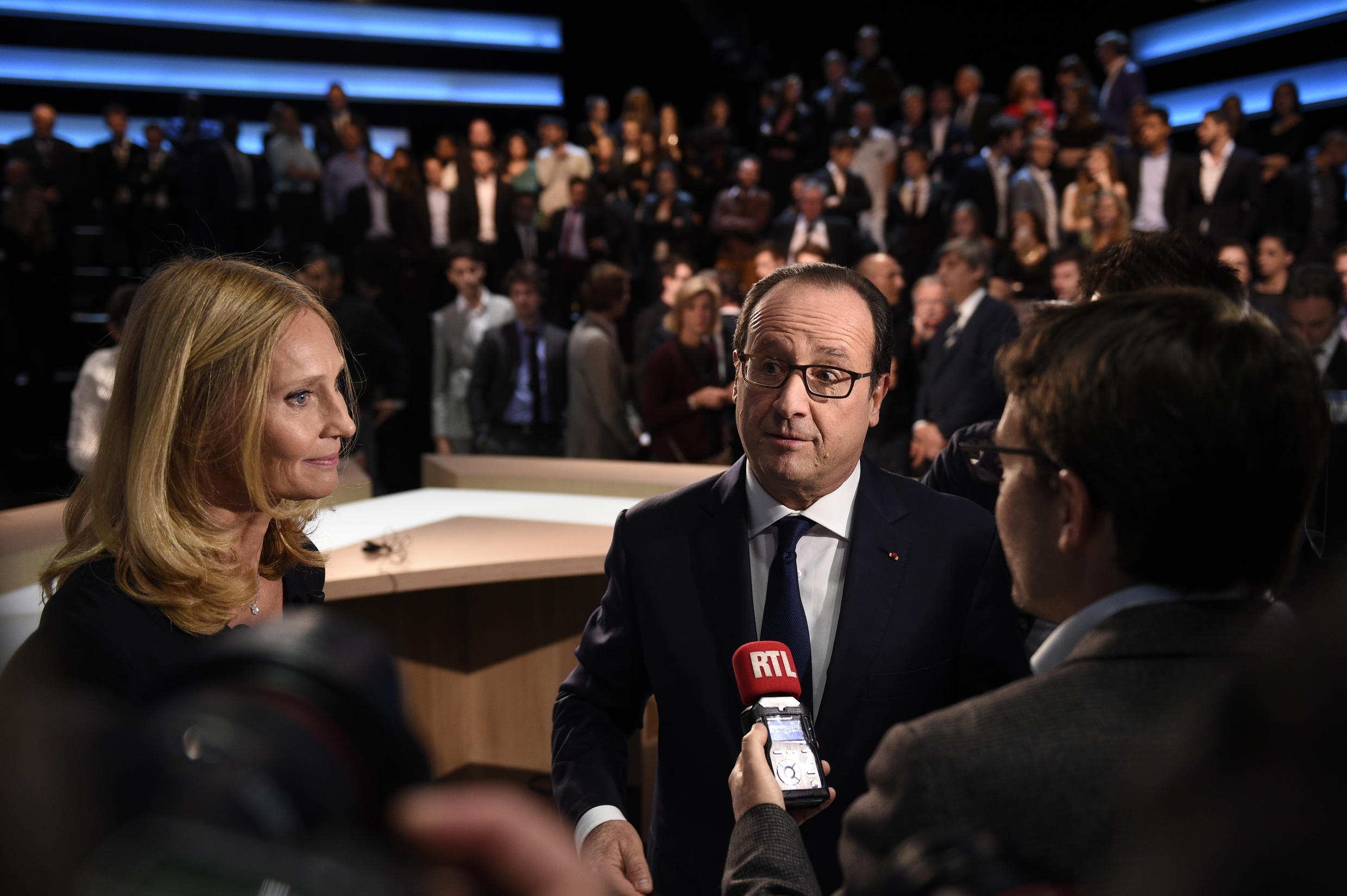 François Hollande faced four members of the public during the broadcast on the TF1 channel