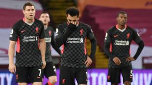 Mohamed Salah et James Milner (Liverpool), après le 7ème but marqué par Aston Villa, le 4 octobre 2020.
