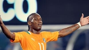 Didier Drogba, ici sous le maillot de la sélection nationale ivorienne, a pris sa retraite cette année
