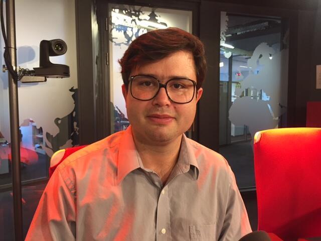 O cineasta brasileiro, João Paulo Miranda Maria, nos estúdios da RFI em Paris.