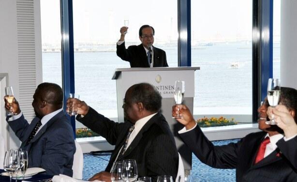 Hội nghị Nhật Bản – Châu Phi TICAD, lần thứ 5 tại Yokohama, dịp để Tokyo tăng cường hiện diện ở lục địa mà Bắc  Kinh là đối tác thương mại hàng đầu