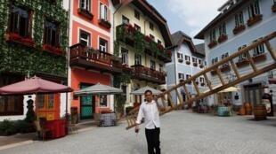 中國廣東惠州山寨版的奧地利小城哈爾斯塔特資料圖片