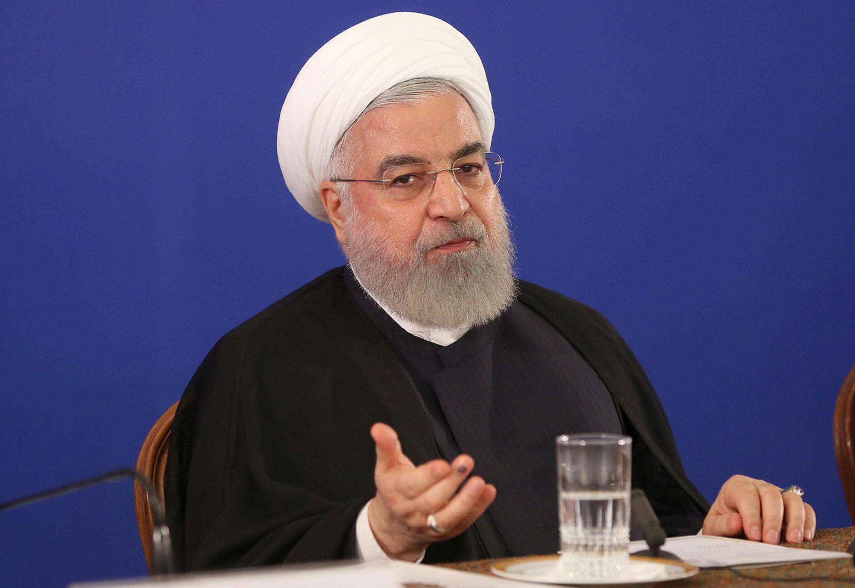 Tổng thống Iran Hassan Rohani chính thức ra lệnh « từ bỏ » mọi giới hạn trong nghiên cứu và phát triển hạt nhân.