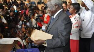 Afonso Dhlakama, durante uma reunião política nas últimas eleições de 15 de outubro de 2015