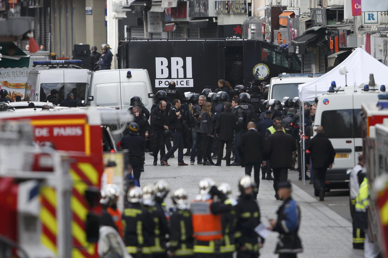 عملیّات پلیس فرانسه در شهر سن دُنی واقع در شمال پاریس