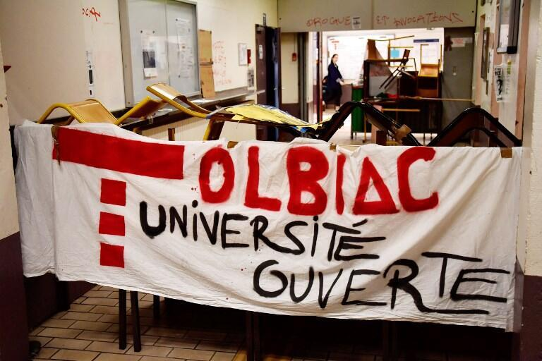 The Paris University campus Tolbiac has been blocked by a student protest movement for three weeks.
