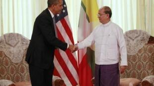 Президент США Барак Обама и президент Бирмы Тейн Сейн 19 ноября 2012 г. в Рангуне (Янгоне)