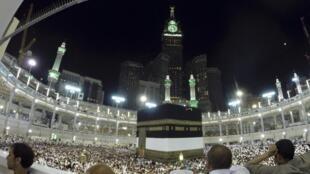 Les fidèles réunis à Kaaba, à La Mecque, le 1er octobre 2014.