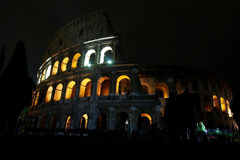 Đấu trường Colosseum trước lúc tắt đèn hưởng ứng Ngày Trái Đất, Roma, Ý, ngày 24/03/2018