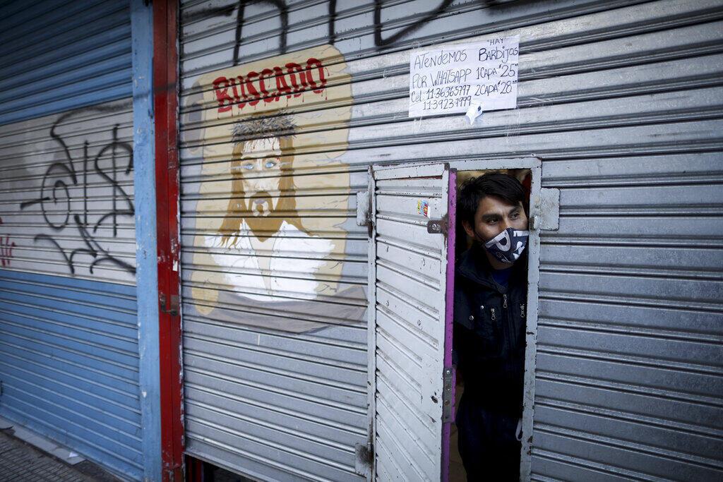Después de 100 días de confinamiento, Argentina endureció la cuarentena y aceleró una tragedia social y económica.
