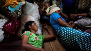 Des déplacés de la rébellion kachin dans un camps de Myitkyina, le 10 mai 2018.