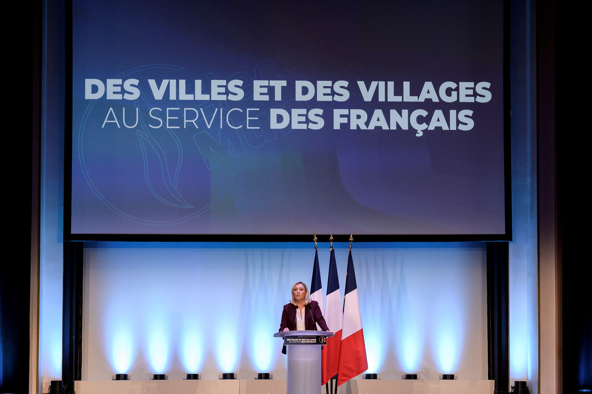 Marine Le Pen lance la campagne électorale des prochaines élections municipales de son parti, le Rassemblement national, à Paris le 12 janvier 2020.