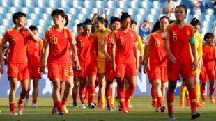 中國女足在25日晚舉行的八分之一決賽中被淘汰出局