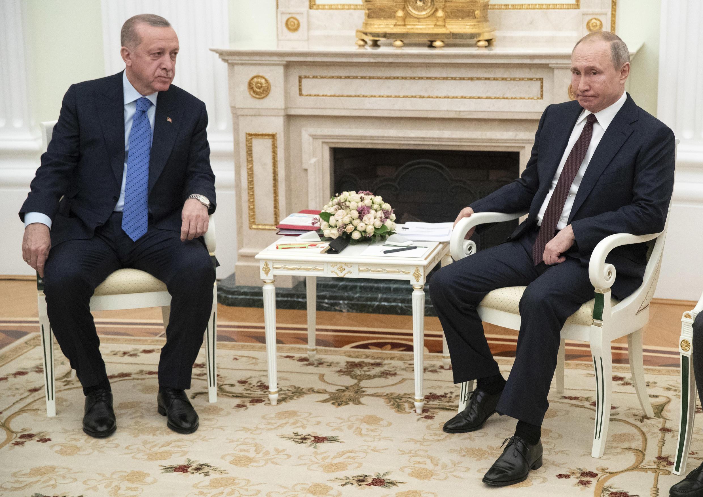 O Presidente russo, Vladimir Putin recebe em Moscovo homólogo turco, Erdogan, sobre a crise na Síria