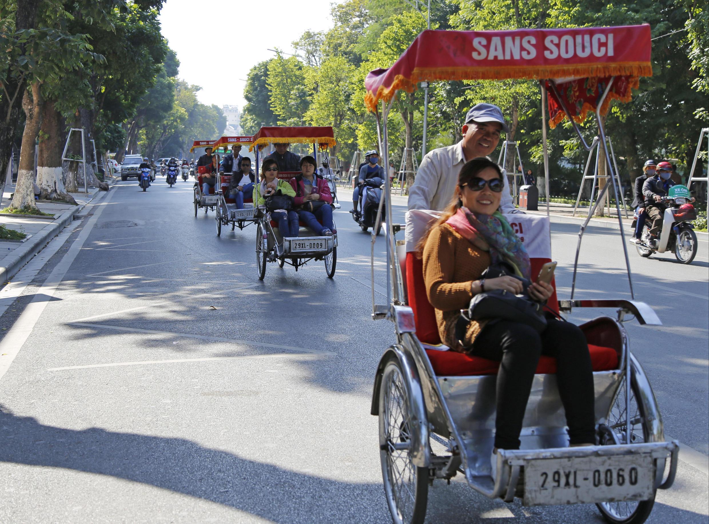Trung Quốc là nguồn cung cấp du khách nhiều nhất cho du lịch Việt Nam.