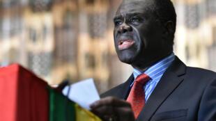 Michel Kafando, lors d'une conférence de presse à Ouagadougou le 23 septembre, après la restauration de la transition.