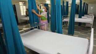 As cortinas que separam as camas dos pacientes nos hospitais podem se tornar um ninho de bactérias.