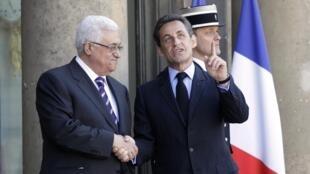 Los presidentes Abas y Sarkozy en el Palacio del Elíseo, el  20 de abril de 2011.