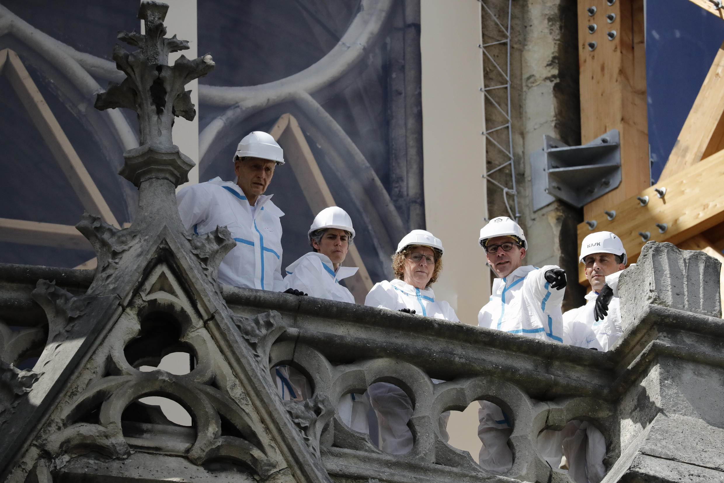 Minister for Labour, Muriel Penicaud, on the balcony of Notre Dame