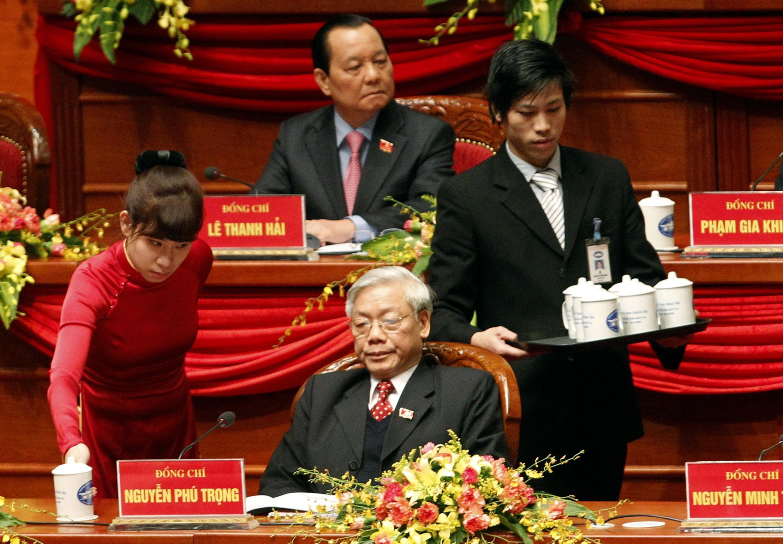 Ông Nguyễn Phú Trọng trên đoàn chủ tịch Đại hội đảng 11 ngày 12/01/2011.
