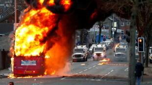 2021-04-07T215138Z_1845046964_RC27RM9YBQBZ_RTRMADP_3_BRITAIN-NIRELAND-PROTESTS
