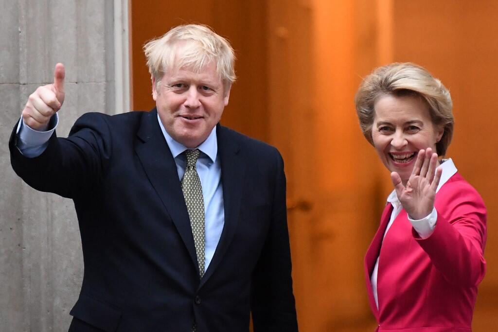 Le Premier ministre britannique Boris Johnson (G) et la présidente du Conseil européen Ursula von der Leyen.
