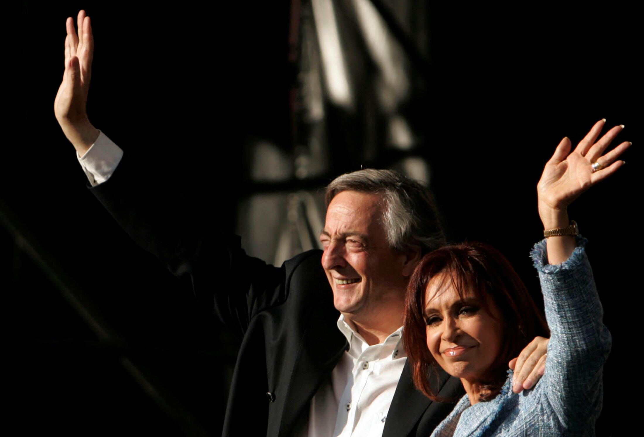 O casal Kirchner, em Buenos Aires, 1° de abril de 2008.