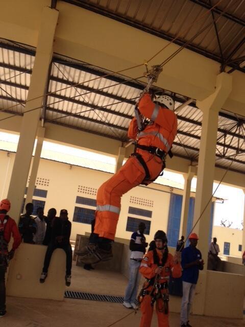 Un élève du Centre de formation professionnelle aux métiers du BTP à Diamniadio, 45 km de Dakar.