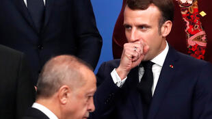 Presidentes francês Emmanuel Macron e turco Recep Tayyip Erdogan em Londres a 4 de dezembro de 2019.