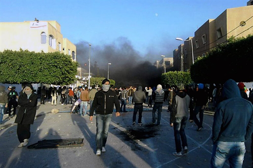 Clashes between protesters and security forces in Sidi Bouzid, 23 December 2010