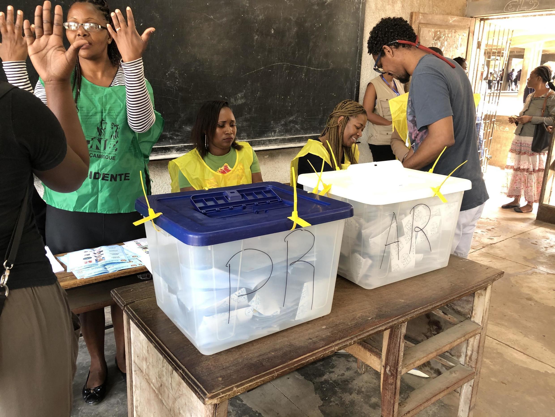 Dia de eleições gerais em Moçambique