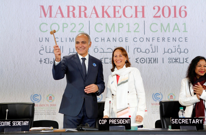 Waziri wa mambo ya nje wa Morocco, Salaheddine Mezouar akiwa na waziri wa mazingira wa Ufaransa, Ségolène Royal, Novemba 7, 2016