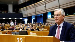 Le négociateur de l'Union européenne pour le Brexit Michel Barnier assiste à une session plénière au Parlement européen à Bruxelles, le 3 avril 2019.