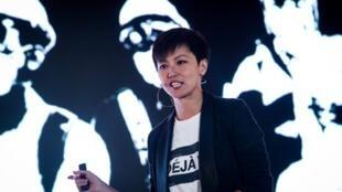 国际人权盛会「奥斯陆自由论坛」2019年9月13日再度在台湾举行,香港歌手何韵诗应邀出席与会,就抗争的艺术发表演说,现场喊出「光復香港、时代 革命」等口号。她还担纲论坛活动闭幕演出。