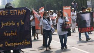 Une manifestation contre les disparitions forcées au Mexique.