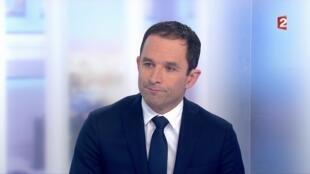 Benoît Hamon, vainqueur de la primaire à gauche, le 30 janvier 2017 sur le plateau de France 2.