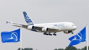 Boeing-Airbus: Le Maire exhorte l'UE à taxer les importations américaines