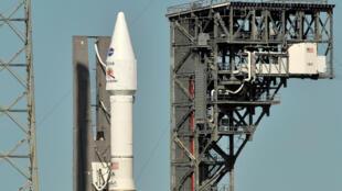 យានបាញ់បង្ហោះ និងយានSolar Orbiter ផលុិតដោយ NASAនិងទីភ្នាក់ងារអវកាសអឺរ៉ុប(ESA) កំពុងឈររង់ចាំពេលវេលាបាញ់បង្ហោះ នៅស្ថានីយ Cape Canaveral រដ្ឋហ្វ្ល័ររីដា។ ថ្ងៃទី៨ កុម្ភៈ ២០២០