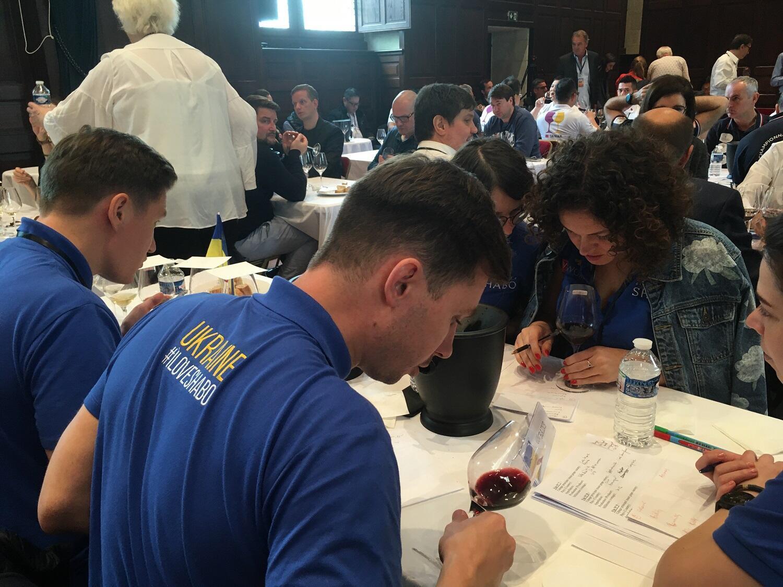 Для команды Украины, которая впервые принимает участие в соревновании, поездка в Шамбор стала поводом рассказать об украинском винном производстве