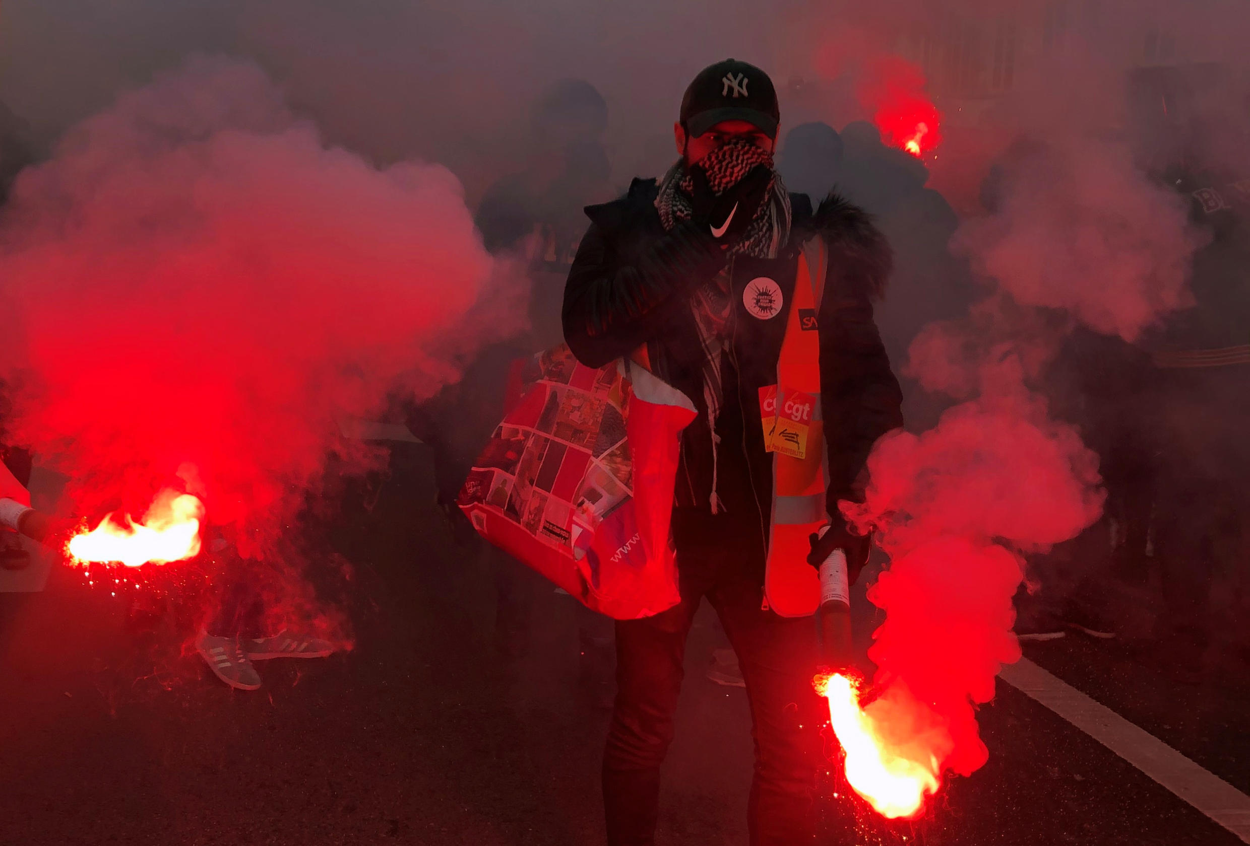 More than 600,000 people took to the streets in France, according to the interior ministry, to protest against the government's proposals for pension reforms.