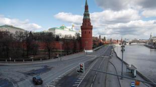 2020-04-12T132328Z_1589520336_RC213G9E5WER_RTRMADP_3_HEALTH-CORONAVIRUS-RUSSIA