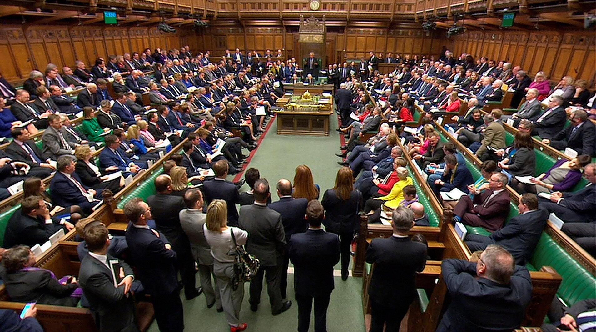 A premiê britânica Theresa May faz discurso diante das Câmaras dos Comuns do Parlamento britânico onde reage ao envenenamento de ex-espião russo.