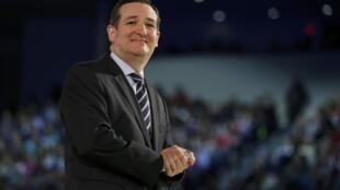 Le sénateur républicain Ted Cruz confirme sa candidature à la primaire républicaine, le 23 mars 2015 à la Liberty University de Lynchburg.