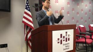 L'économiste français, Thomas Piketty parle de son livre «Le capital au XXIe siècle» à Washington aux Etats-Unis, le 15 avril 2014.