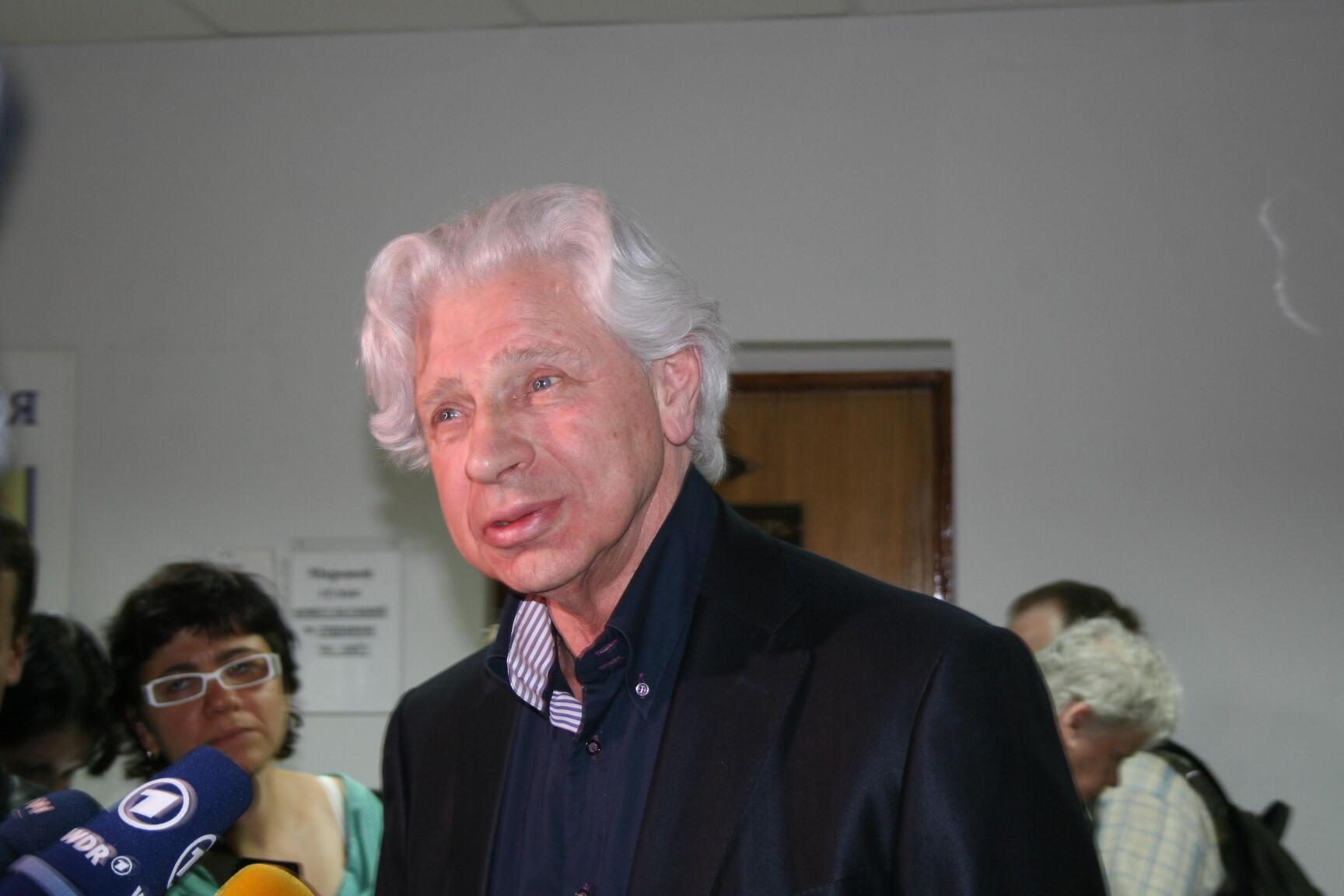 Генри Резник: