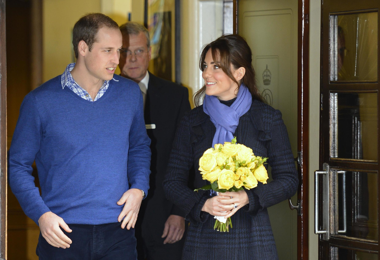 A Duquesa de Cambridge, Kate Middleton, deixou o hospital nesta quinta-feira, 6 de dezembro de 2012.
